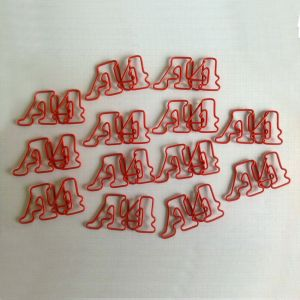 wire shaped paper clips in A4 outline