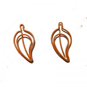 leaf shaped paper clips in orange color, plant paper clips