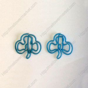 shaped paper clips in trefoil outline